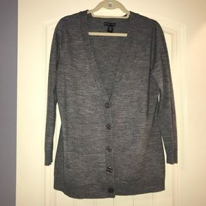 New York & Company, Sz. L gray button up cardigan